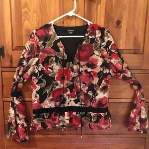 ‼️2/$18‼️Gorgeous Bebe Floral Cropped Blouse-sz S